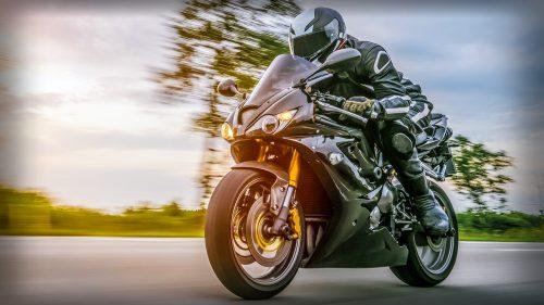 castrol_4cycle_motorcycle_engine_oil.jpg.img.500.medium